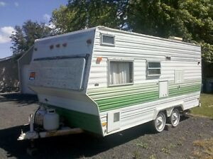Looking to buy cheap camper trailer! $600 or less.