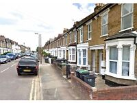 3 bedroom flat in 41 Palace Road, Bounds Green N11