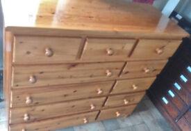 Bedroom Furniture Set - Dresser/Chest of Drawers & 2 bedside tables