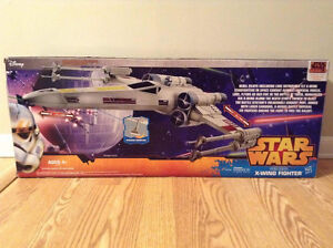 Star Wars Episode IV X-WING FIGHTER. Hero Series. Includes R2D2. Cambridge Kitchener Area image 2