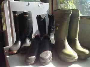 4 pairs work boots