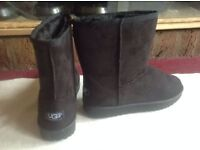 Brand new UGG boots black colour size: 5/38 new £25