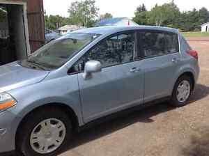 2011 Nissan Other Hatchback low low miles