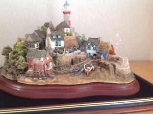 Very Rare 1997 Lilliput Lane Out of the Storm L2064