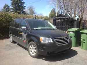 2008 Chrysler Town & Country Fourgonnette, fourgon