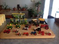 TOY COLLECTABLE TRACTORS