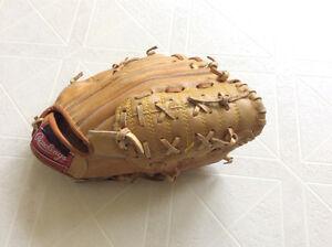 Youth Rawlings Baseball Glove