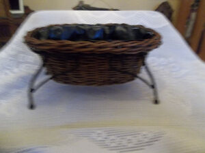Basket with rack for plant
