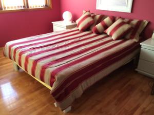 mobilier de chambre à coucher laqué