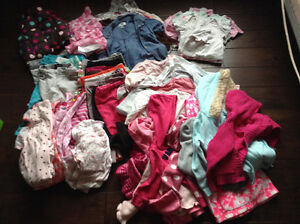 Lot girls 2T winter clothes