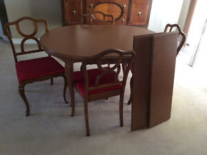 Solid Wood Dining Table + 2 Extensions, 4-Chairs Reconditioned Kitchener / Waterloo Kitchener Area image 1