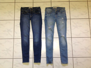 2 pairs of girls Hollister Jeans - Size OOS - W 23 / L 29