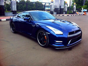 2012+ Nissan GT-R in Blue