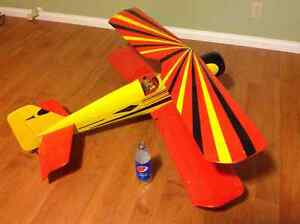 "Very big RC bi-plane """"reduced""""!!!"