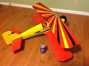 "Very big RC bi-plane """"reduced""""!!! Regina Regina Area image 1"