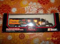 Davey Allison 1:64 Die Cast Cab Ravcing Team Transporter