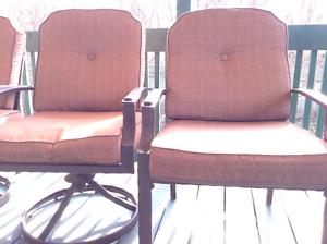 Chaise et parasol
