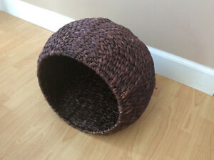 wicker cat bed