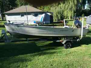 14ft Aluminum Fishing boat 25hp motor and 12ft unsinkable gheene