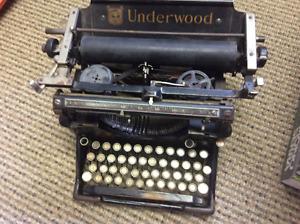 Machine a écrire Underwood
