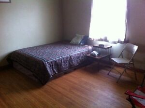 Rooms For Rent Weekly