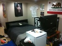 Mohawk college room for rent - good students only!