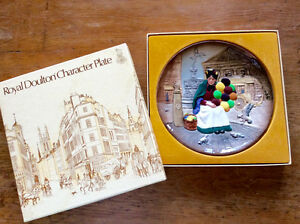Royal Doulton character plate- Old Baloon Seller