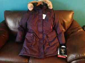 NOBIS The Abby Parka for sale ALL TAGS ATTACHED Edmonton Edmonton Area image 4