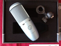 2x Akg perception 120
