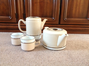Denny Coffee Pot, Tea Pot and mugs