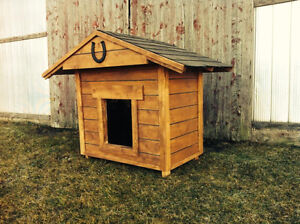 NEW LARGE ALL WEATHER DOG HOUSE