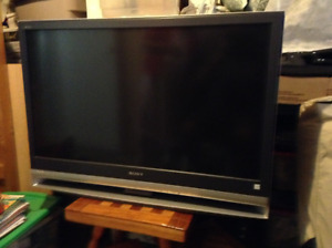 Used Sony TV for sale - LCD projection