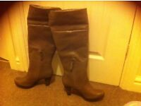 Clarks ladies boots new size 5.5