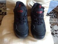 Mens brand new trainers/ boots black rock size 6 £6
