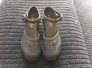 Girls Youth Size 12-1/2 Shoes