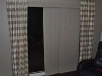 Hunter Douglas 3-panel sliding window blind