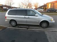2005 Kia Sedona ( Minivan )