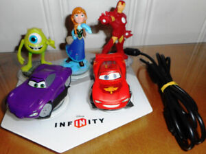 INFINITY Disney 5 personnages + plate-forme