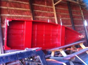 12ft fibreglass square back canoe