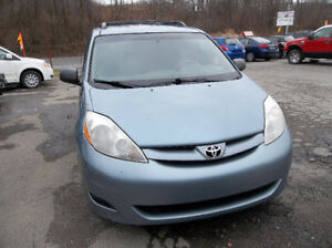 2007 toyota sienna..all wheel drive..