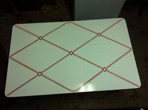 RETRO ICE CREAM SHOP STYLE TABLE