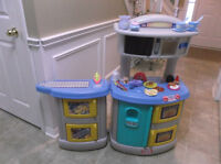 Little Tikes Large Kitchen and Laundry