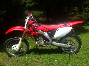 HONDA CRF250R 2007 2500$ NEGOCIABLE