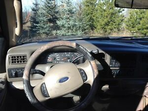 Ford Super Duty F350 V8 Fully loaded Lariat leather and 4X4 Strathcona County Edmonton Area image 5