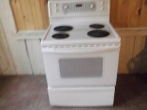 white kenmore stove-excellent working condition
