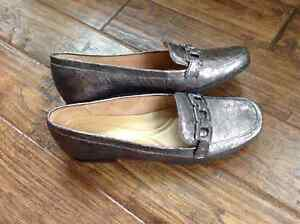 New   Natualizer loafers  Size 7