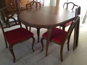 Solid Wood Dining Table + 2 Extensions, 4-Chairs Reconditioned Kitchener / Waterloo Kitchener Area image 4