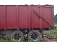18 foot Silage Box  Auto Tail Gate