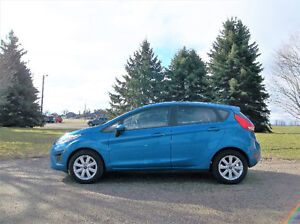 2013 Ford Fiesta SE- Hatchback. 4 BRAND NEW TIRES!!  119K