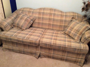 Pull out loveseat / bed
